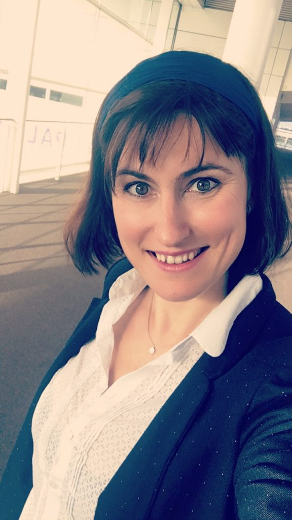 portrait de femme Céline blog Souriez rose