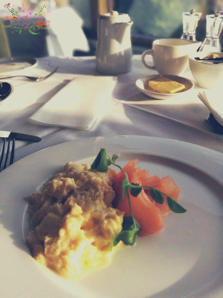 Petit déjeuner Stoneflield castle hotel Ecosse blog Souriez rose.jpg