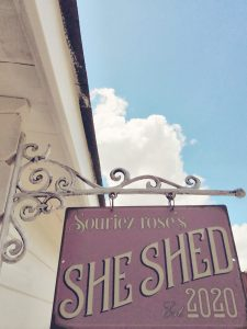 Enseigne Souriez rose naturopathie she shed